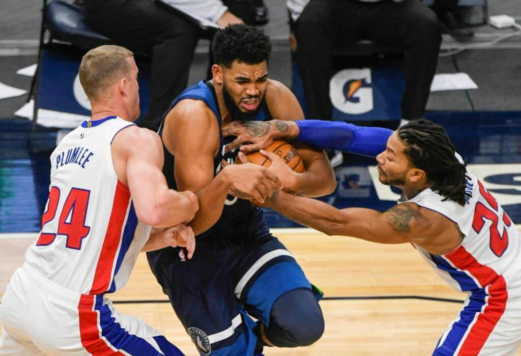 Beasley y Towns llevan a Wolves a remontada ante Pistons